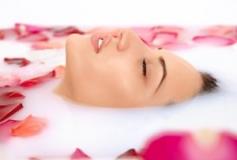 9 مرطوب کننده طبیعی صورت و بدن پوست های خشک و مستعد آلرژی