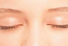 سیاهی دور چشم در سرما بیشتر میشود