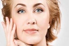 آیا پوست انداختن بعد از میکرونیدلینگ طبیعی است؟